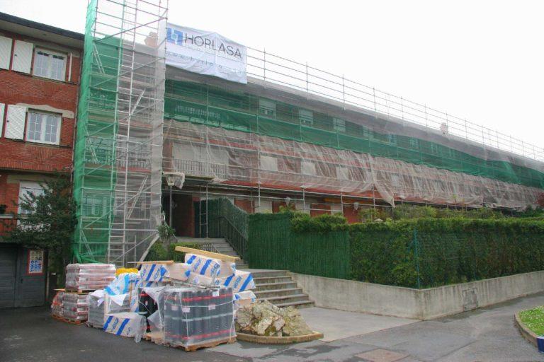 Restauración de fachada y cubierta en Avenida Zugatzarte 20, Getxo