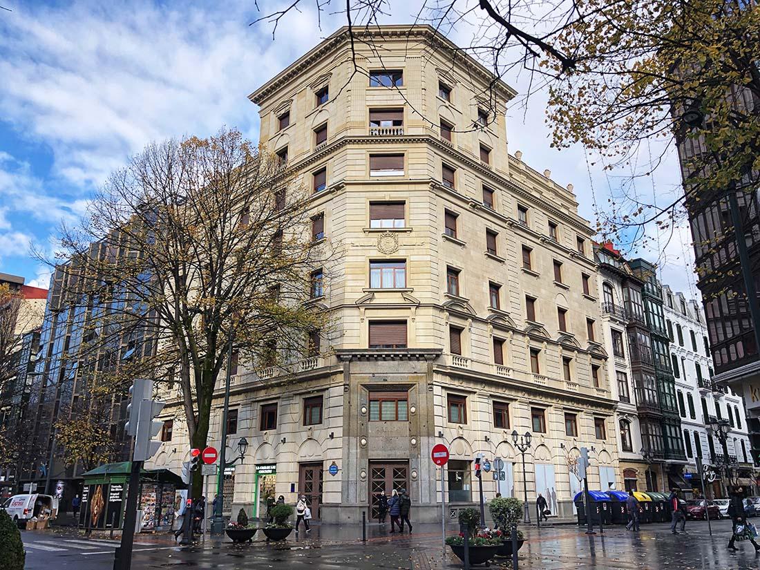 Rehabilitacion de fachada en Gran via 36 de Bilbao 2