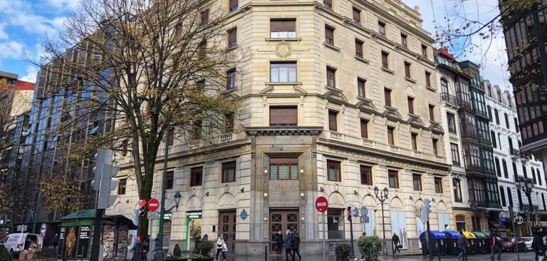 Rehabilitación de fachada en Gran Vía 36 de Bilbao