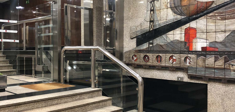 Trabajo de accesibilidad para edificio de oficinas en Gran Vía 81 (Bilbao)