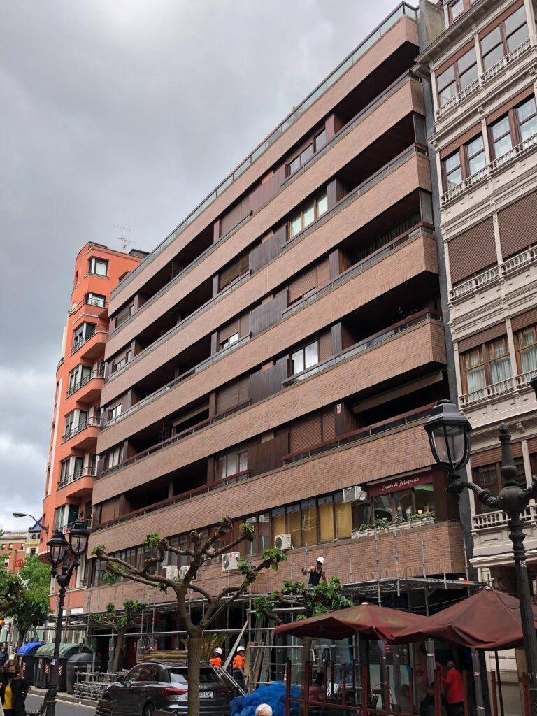 Rehabilitación de la fachada de un edificio en Ercilla