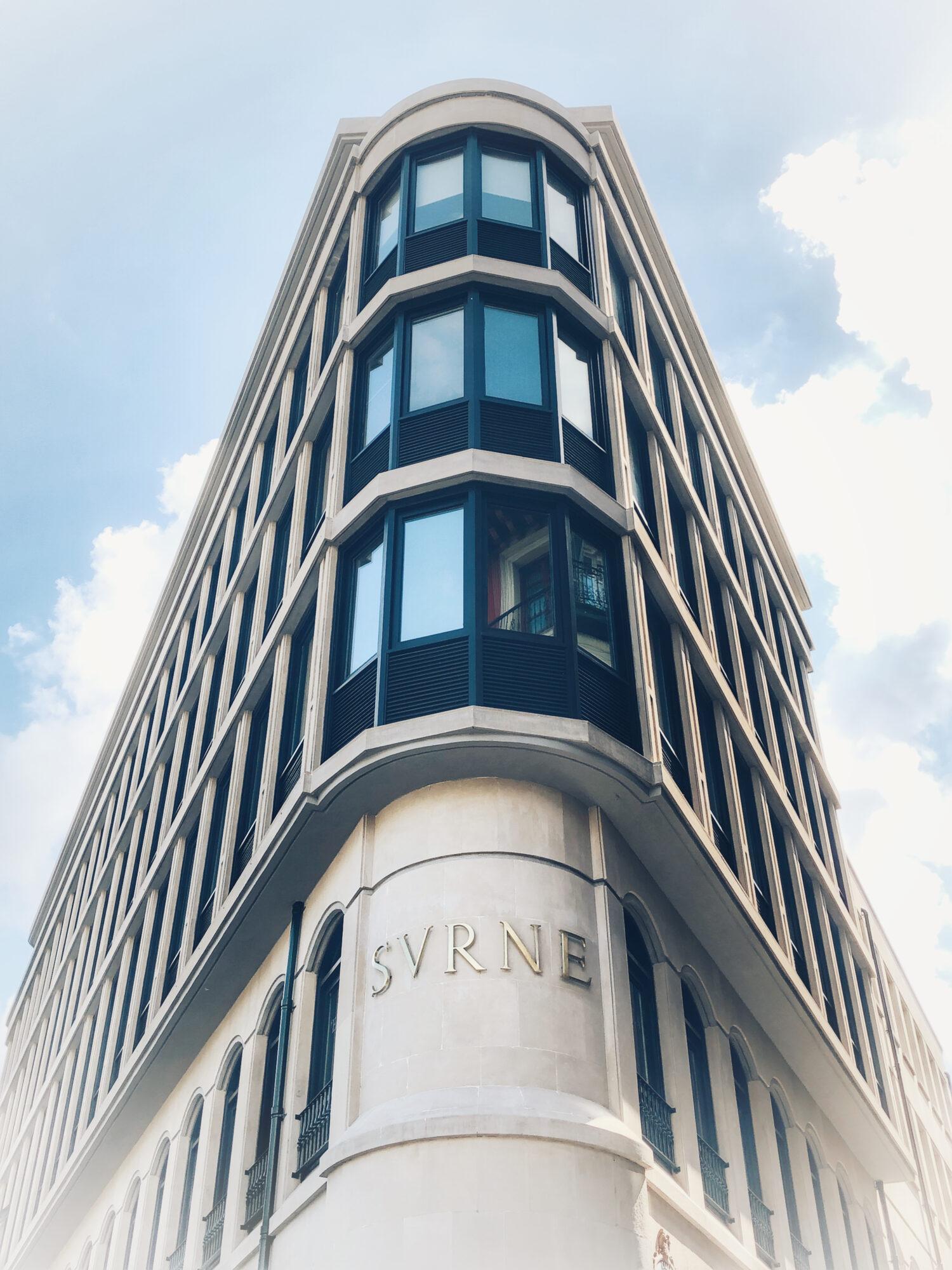 Rehabilitación de la emblemática fachada del edificio Surne de Bilbao